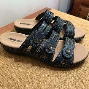 Clark's Soft Comfort Slip on Sandals EUC.